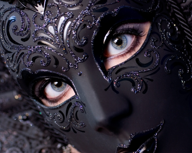 masquerade_by_darkgoth.jpg
